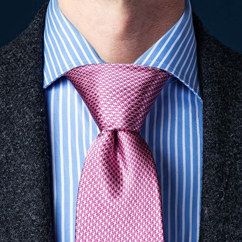 EASILY Tying This Unique Casual Knot